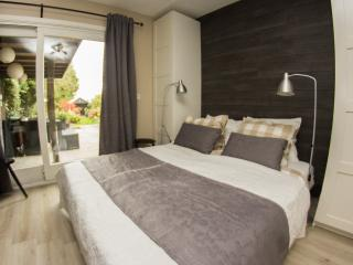Comfortable Bed and Breakfast with Internet Access and Housekeeping Included - Hoofddorp vacation rentals