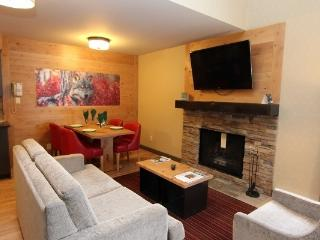 Banff Rocky Mountain Resort Lofted 1 Bedroom Wolf Condo - Banff vacation rentals