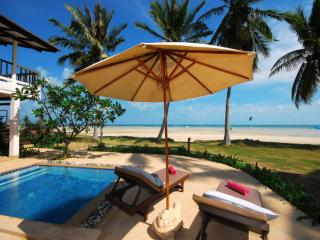Beachfront 2 Bedroomed Oceanview room - Lamai Beach vacation rentals