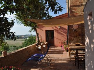 Tuscany, breathtaking view loft  terrasse + garden - Peccioli vacation rentals