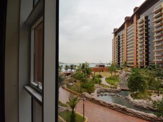 1 Bedroom Apartment @ Tiara Palm Jumeirah - Dubai vacation rentals
