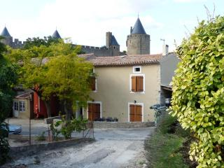 4 bedroom Farmhouse Barn with Internet Access in Carcassonne - Carcassonne vacation rentals