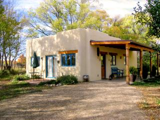 Casa MaraVilla- Gorgeous new casita in town - Taos vacation rentals
