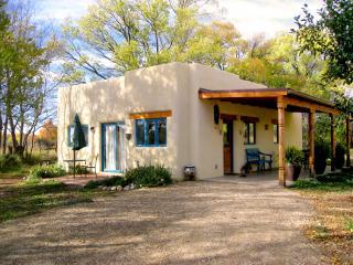 Casa MaraVilla- Gorgeous new casita in town - Taos vacation rentals