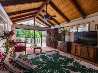 Waimanalo Beach- Polynesian Style Home--Steps from - Waimanalo vacation rentals