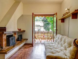 Accogliente Bilocale con Piscina in Valsassina - Piani di Bobbio - Cremeno vacation rentals