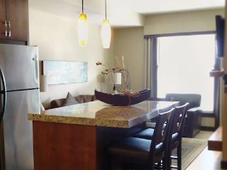 Canmore Silver Creek Chic 1 Bedroom Condo (King) - Canmore vacation rentals