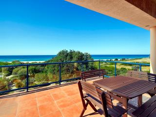 Sandpiper On The Beach, Absolute Beachfront House - Dunbogan vacation rentals