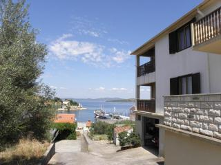 Convenient Sali vacation Apartment with Television - Sali vacation rentals