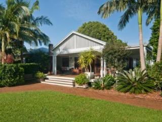 Perfect 4 bedroom Bangalow House with Internet Access - Bangalow vacation rentals