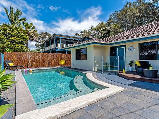 Coolum Waves, Pet Friendly Holiday Houses - Coolum Beach vacation rentals