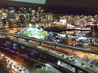 Amazing downtown+view+pool+parking & sky train  !! - Vancouver vacation rentals