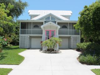 January Sale!! WALK TO BEACH, new POOL - Marco Island vacation rentals