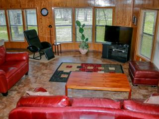 The Ranch House on 5 acres.. close to Jacksonville - Jacksonville vacation rentals