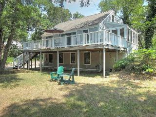 Nice Cottage with Deck and A/C - North Eastham vacation rentals