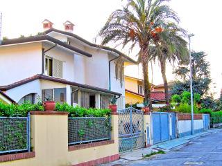 Beach Villa Marta - Marina Di Pietrasanta vacation rentals