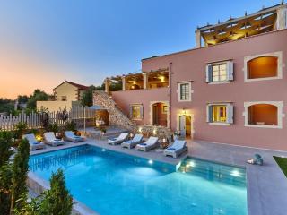 Luxurious villa with heated pool,gym & sauna - Vamos vacation rentals