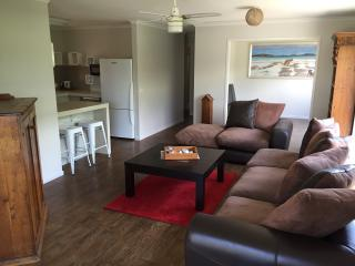4Shore Beachside Holiday House-FREE WiFi - Rosebud vacation rentals