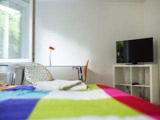 1- 2 Personenzimmer in Degerloch nahe Stadtbahn 5 - Stuttgart vacation rentals