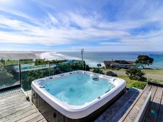 Oceanfront home with a private hot tub & gorgeous deck! - Manchester vacation rentals