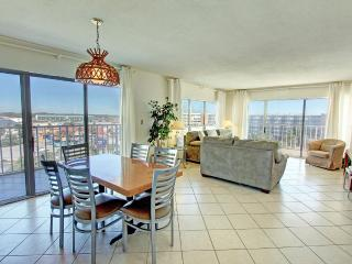 Sea Oats 712-3BR-RJFunPass-Buy3Get1FreeThru5/26 AVAIL5/30-6/2 -Partial GulfViews-Okaloosa Isla - Fort Walton Beach vacation rentals