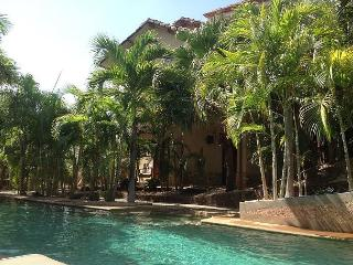 House in Gated Community, 2 Bd, 2 & 1/2 Bath, Pool, Sandy Beach - Tamarindo vacation rentals