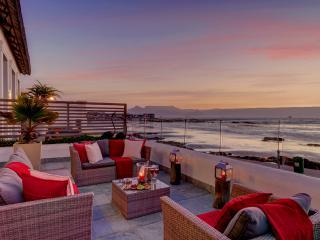 Santa Maria 2 - Bloubergstrand, Cape Town - Bloubergstrand vacation rentals
