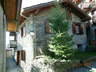 Nice 1 bedroom House in La Magdeleine - La Magdeleine vacation rentals