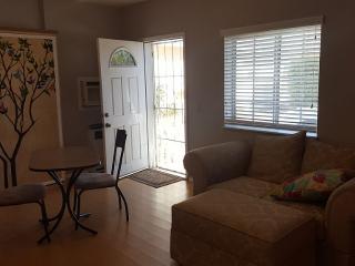 Cozy Studio Apartment in South Bay - Pacific Beach vacation rentals