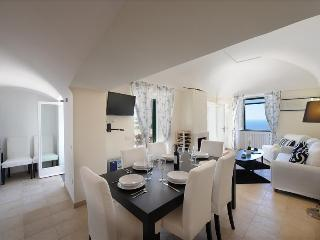 Beautiful apartment with share swimming pool, garden and Sea View. - Amalfi vacation rentals