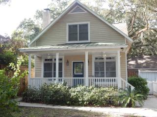 Charming Cottage Near Village Area - Saint Simons Island vacation rentals