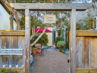 Romantic Luxurious Studio W/ Spa, AC & Private Garden, Close Walk to the Ocean - Pacific Beach vacation rentals