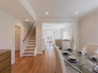 4 Bedroom Turnkey Luxury Home in Prime DC Metro MD - Kensington vacation rentals