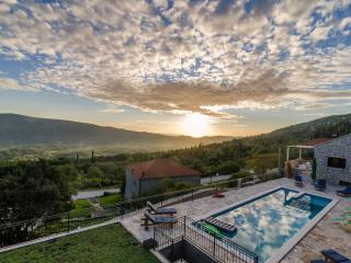 Villa Falcon Rook - Three-Bedroom Villa with Terrace and Swimming Pool - Dubravka vacation rentals