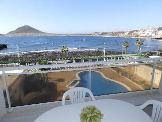 Nice apartment with pool and sea views El Medano - El Medano vacation rentals