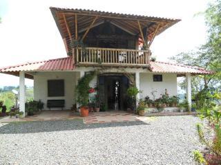 Casa Campestre, se alquila para parejas o grupos - Filandia vacation rentals