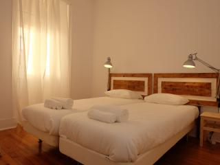 Stay Like us in Morais Soares II - Lisbon vacation rentals