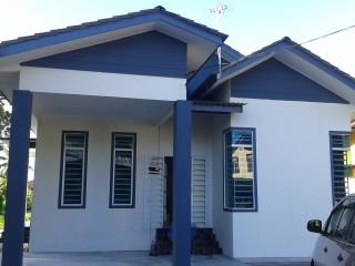Nice House with A/C and Garage - Kota Bharu vacation rentals