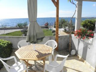 2617  A1 Crveni (2+2) - Zaton (Zadar) - Zaton (Zadar) vacation rentals