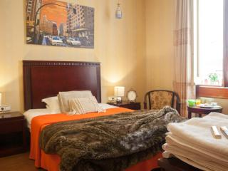 Group in Gran Via - Madrid vacation rentals