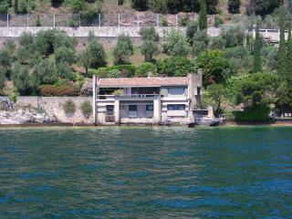 Villa Coccodrilla, waterfront villa with dock - Gargnano vacation rentals