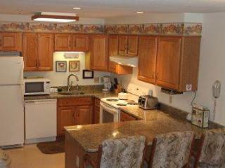 3BR Multi-level condo with balcony, King bed - A3 308A - Lincoln vacation rentals