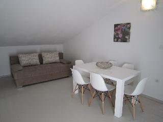 Modern spacious apartment near beach for up to 8 - Novalja vacation rentals