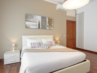 VATICAN BIG Apartment for a family or friends - Rome vacation rentals