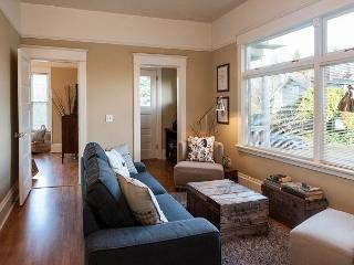 Charming Lake Apartment with Views of Green Lake - Seattle vacation rentals