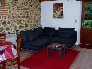 La Maison Lierre Self Catering Gite - Massais vacation rentals
