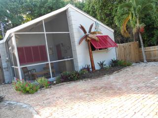 Cozy Couple Getaway! or Great Family Home - Key Largo vacation rentals