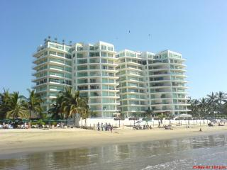 Beautiful beachfront, 1 bedrooms  Tower Kite terra - Nuevo Vallarta vacation rentals