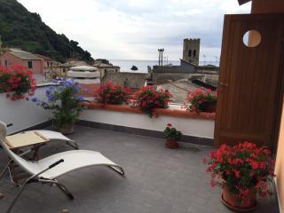 Romantic 1 bedroom Monterosso al Mare B&B with Internet Access - Monterosso al Mare vacation rentals