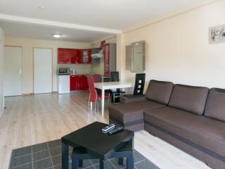 Nice Pantin Studio rental with Internet Access - Pantin vacation rentals